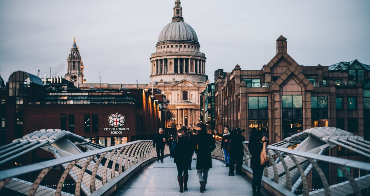 Quelles chaussures emporter pour un voyage à Londres ?