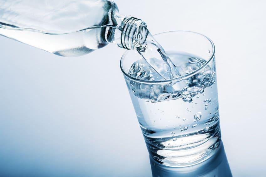 Pourquoi faut-il boire 2L d'eau par jour ?